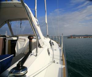 Яхта Beneteau Oceanis 38